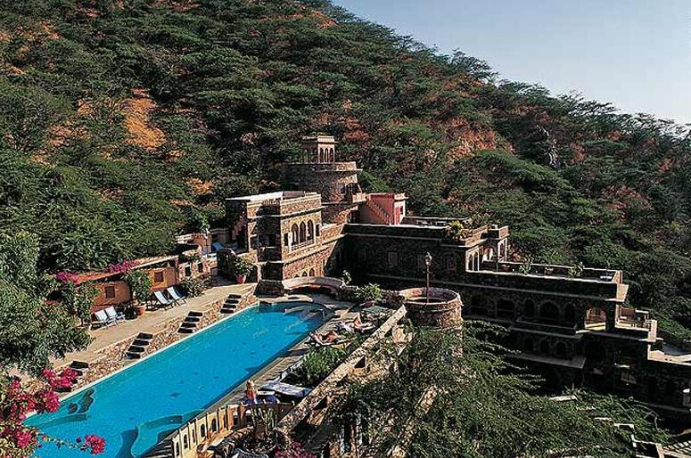 neemrana-fort-palace-banner
